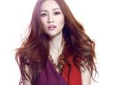 谢安琪-《一个女人和浴室》粤语谐音发音